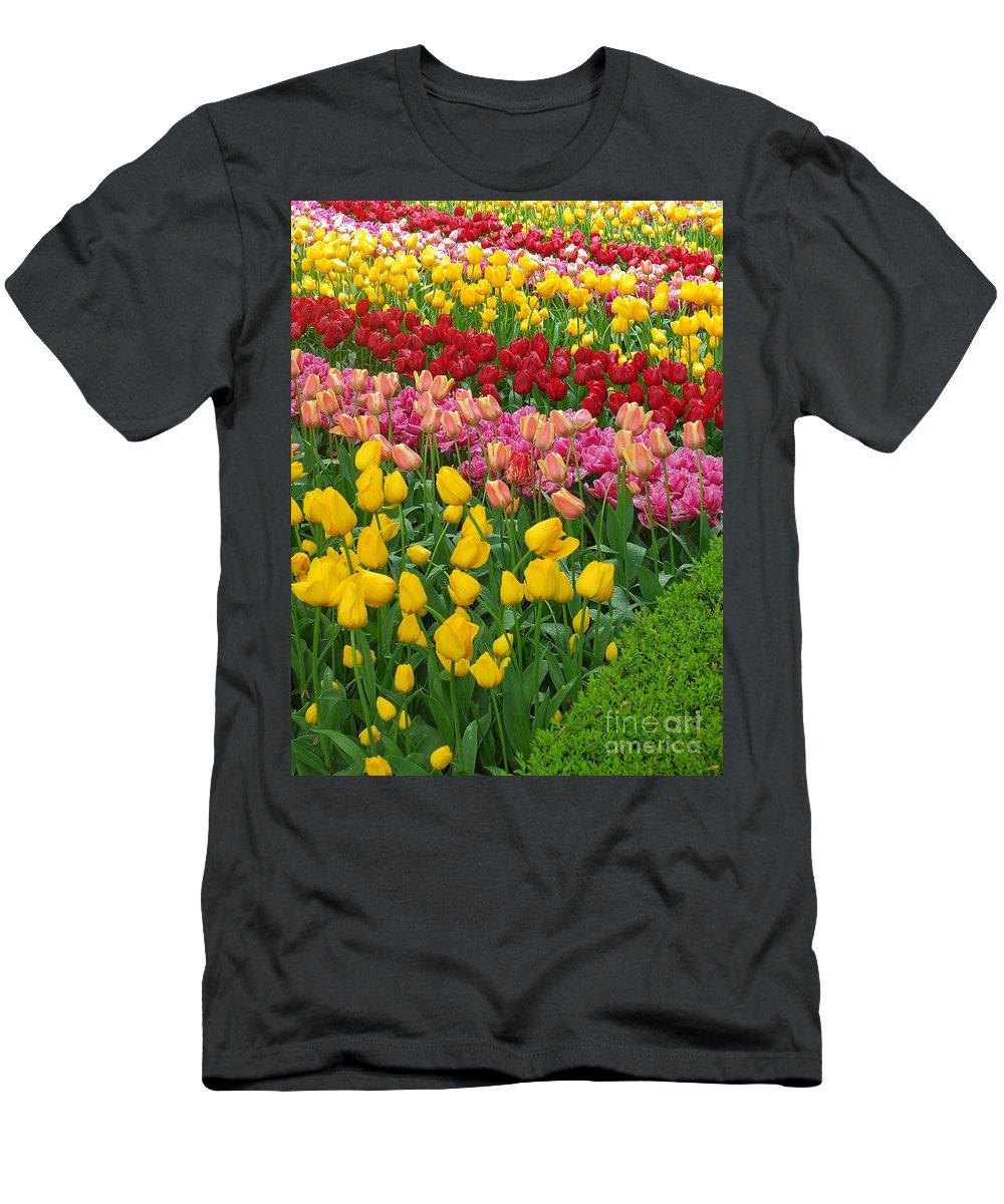 Keukenhof Gardens Men's T-Shirt (Athletic Fit) featuring the photograph Keukenhof Gardens 72 by Mike Nellums