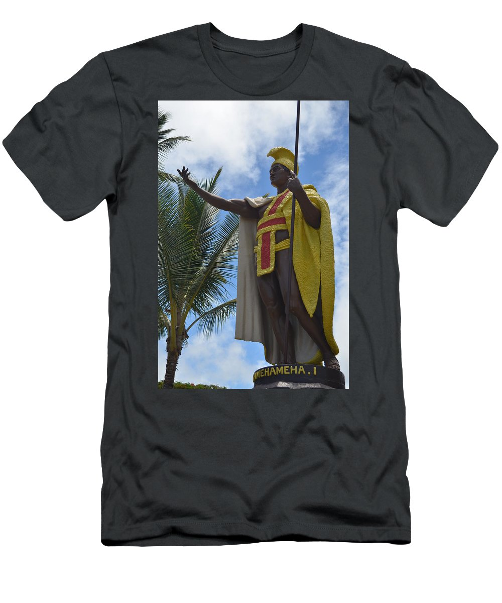 Kona Men's T-Shirt (Athletic Fit) featuring the photograph King Kamehameha by Amy Fose