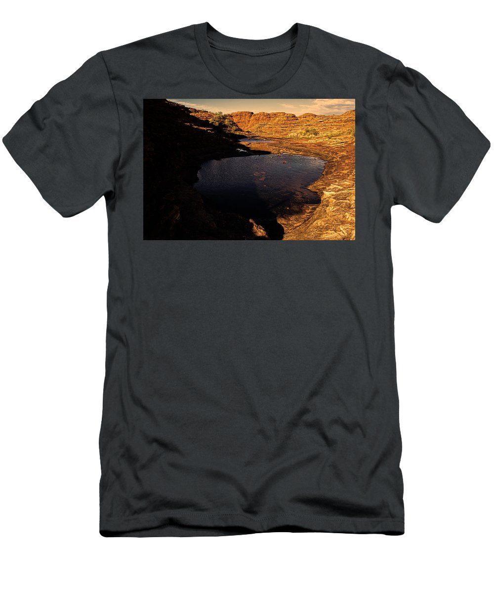 Kings Canyon Men's T-Shirt (Athletic Fit) featuring the photograph Kings Canyon V12 by Douglas Barnard