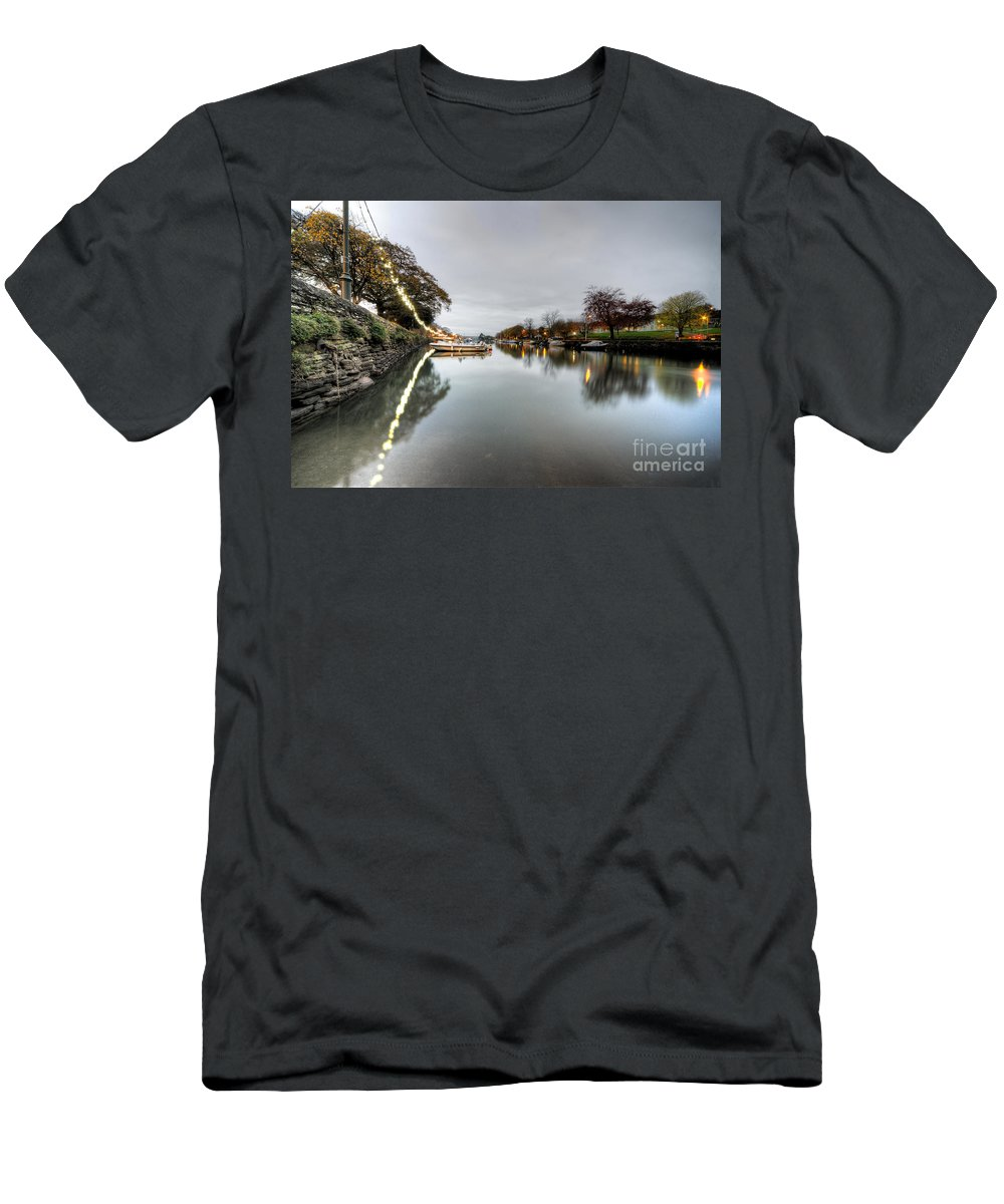 Kingsbridge Men's T-Shirt (Athletic Fit) featuring the photograph Kingsbridge Reflections by Rob Hawkins