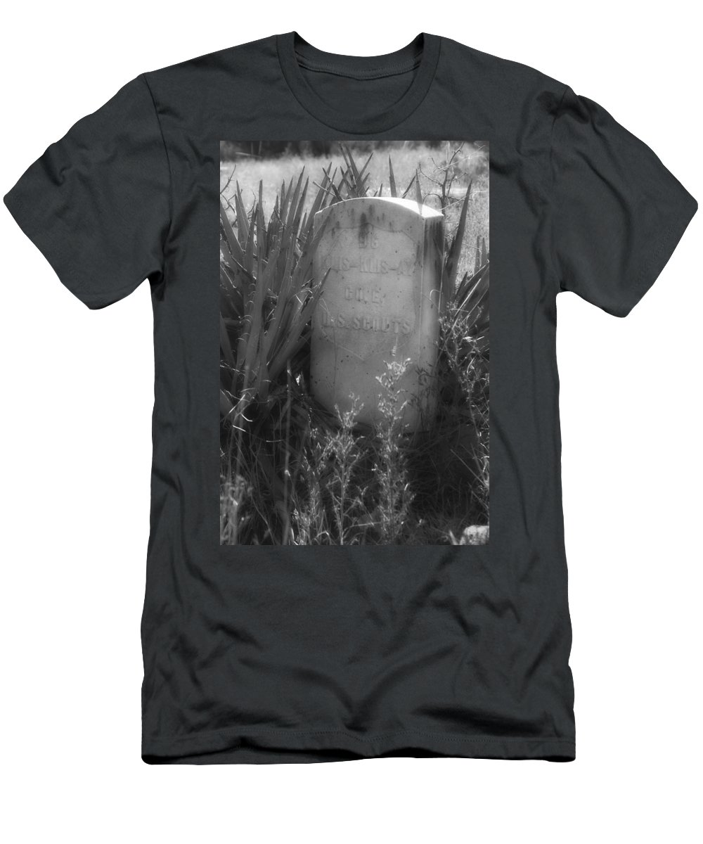 Klys Klys Ay Men's T-Shirt (Athletic Fit) featuring the photograph Klys-klys-ay by Hugh Smith