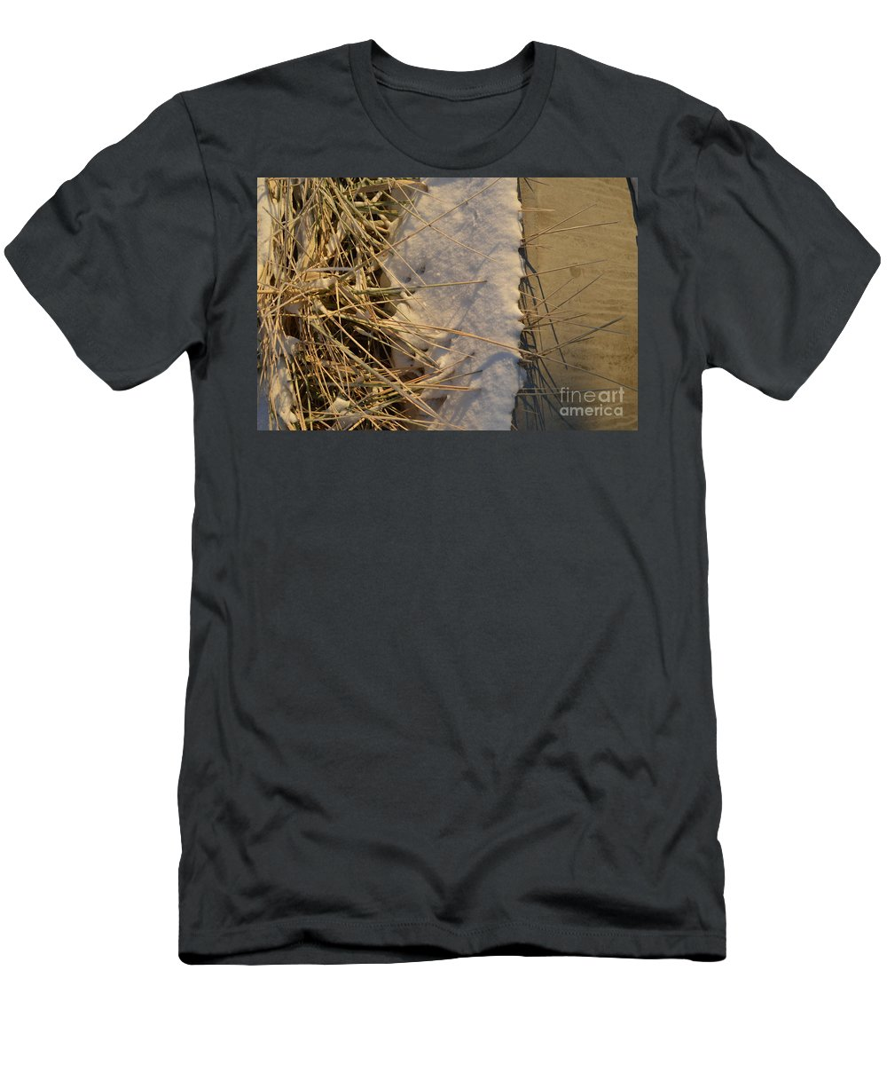 Lance Men's T-Shirt (Athletic Fit) featuring the photograph Lanceing Through The Layers by Brian Boyle