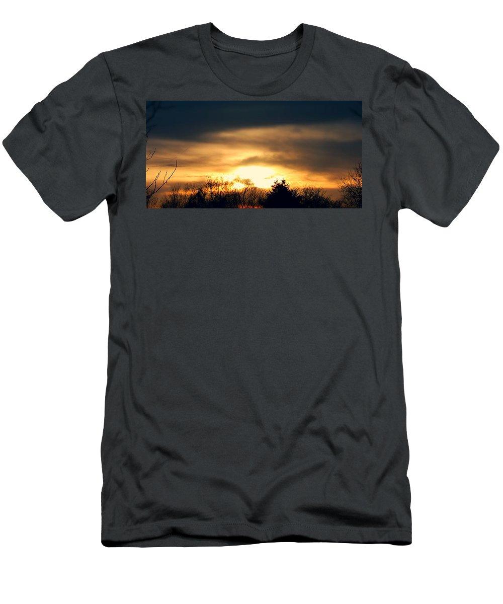 Stormscape Men's T-Shirt (Athletic Fit) featuring the photograph Late April Nebraska Sunset by NebraskaSC