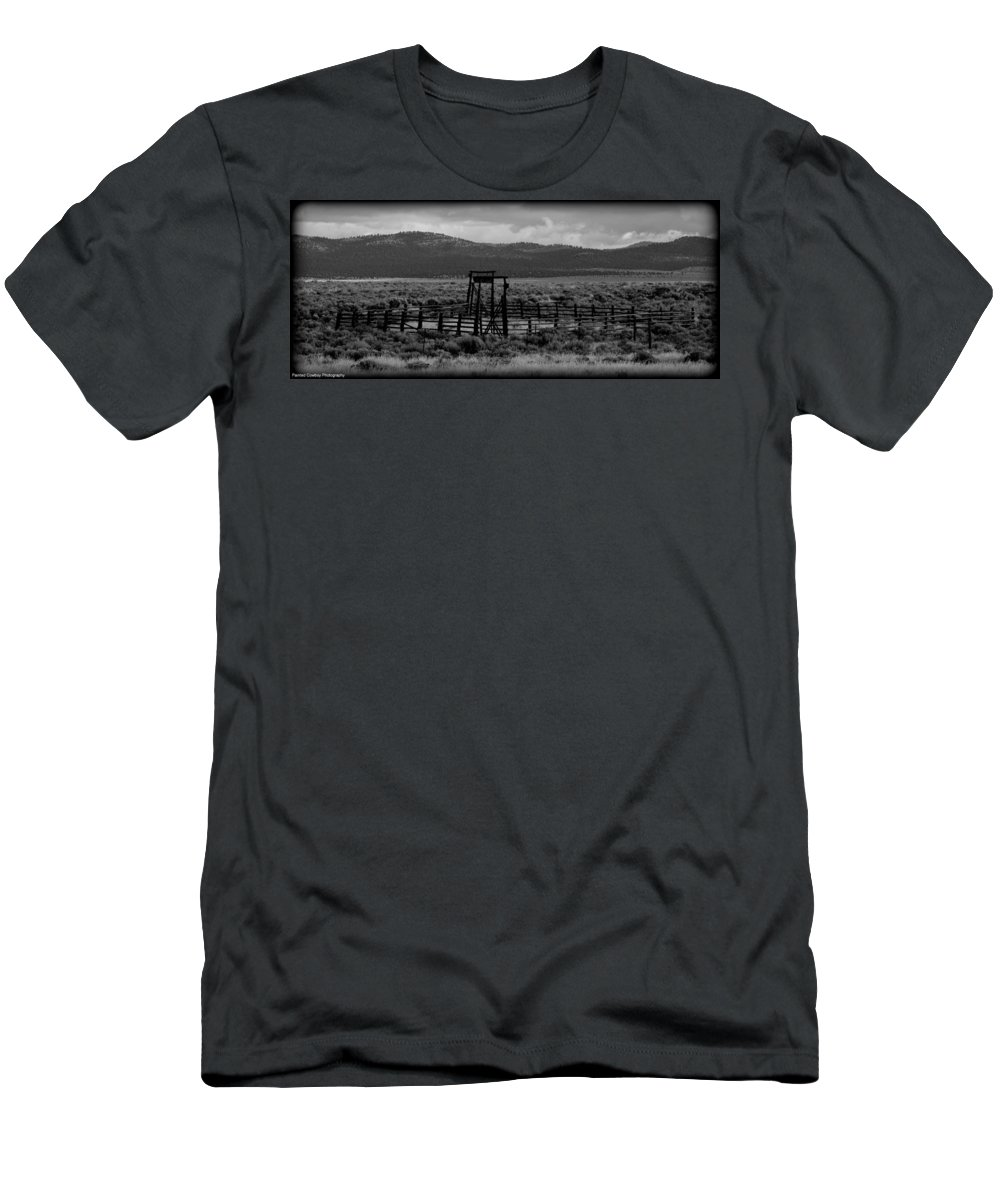 Coral Men's T-Shirt (Athletic Fit) featuring the photograph Let Em Loose Black And White by Daniel Jakus