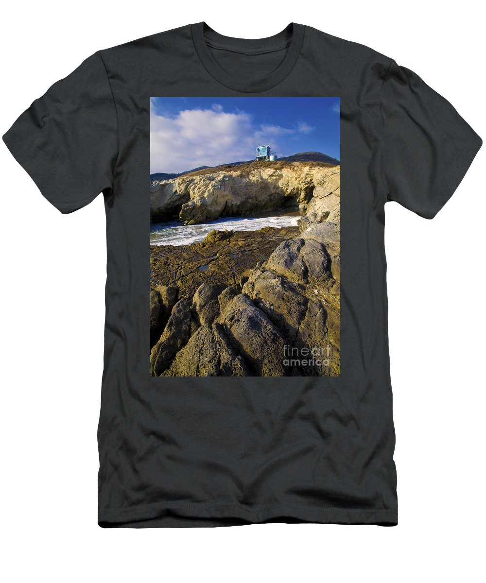 California Men's T-Shirt (Athletic Fit) featuring the photograph Lifeguard Tower On The Edge Of A Cliff by David Millenheft