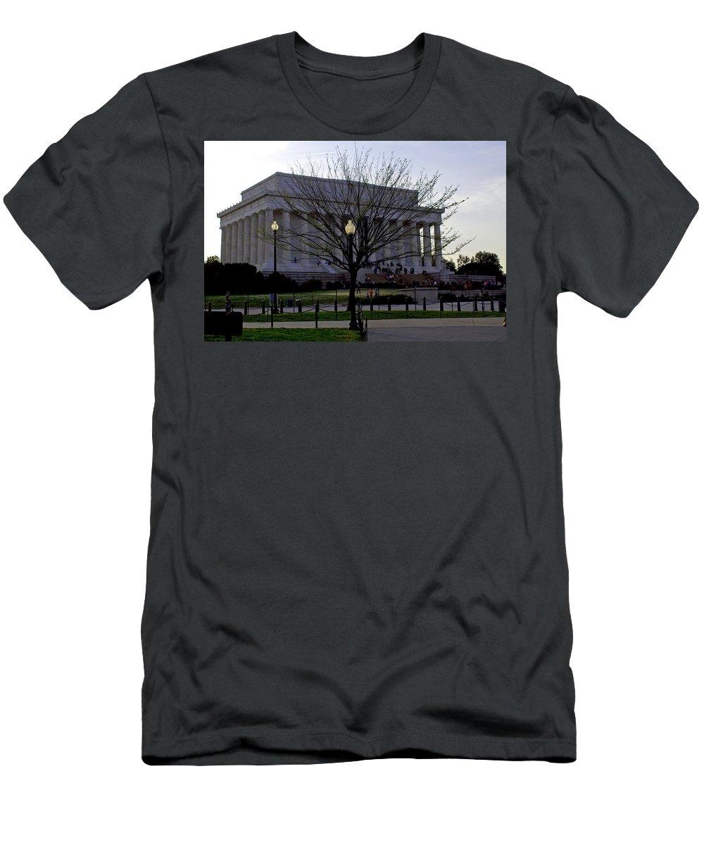 Washington D.c. Men's T-Shirt (Athletic Fit) featuring the photograph Lincoln Memorial by Pablo Rosales