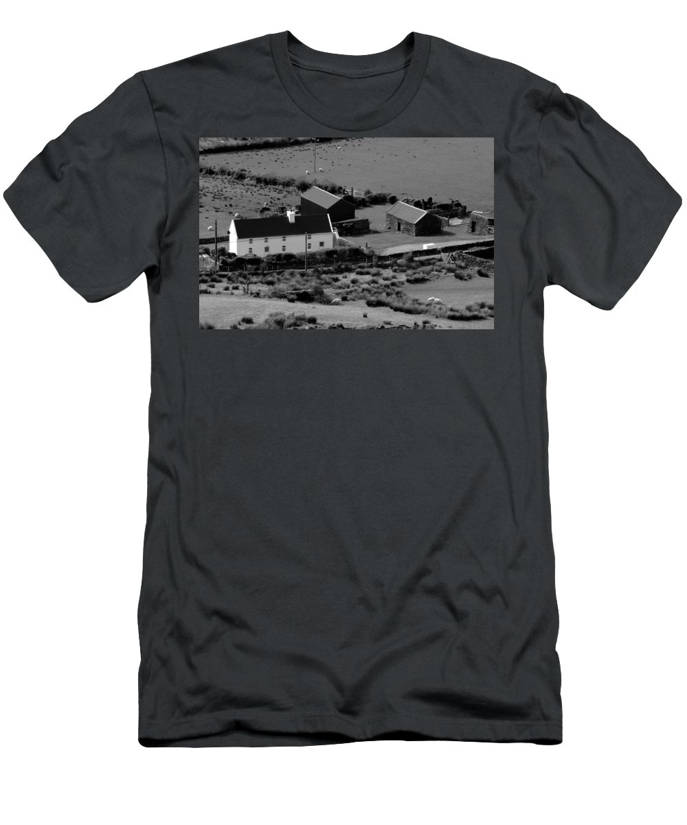 Ireland Men's T-Shirt (Athletic Fit) featuring the photograph Little White Cottage by Aidan Moran