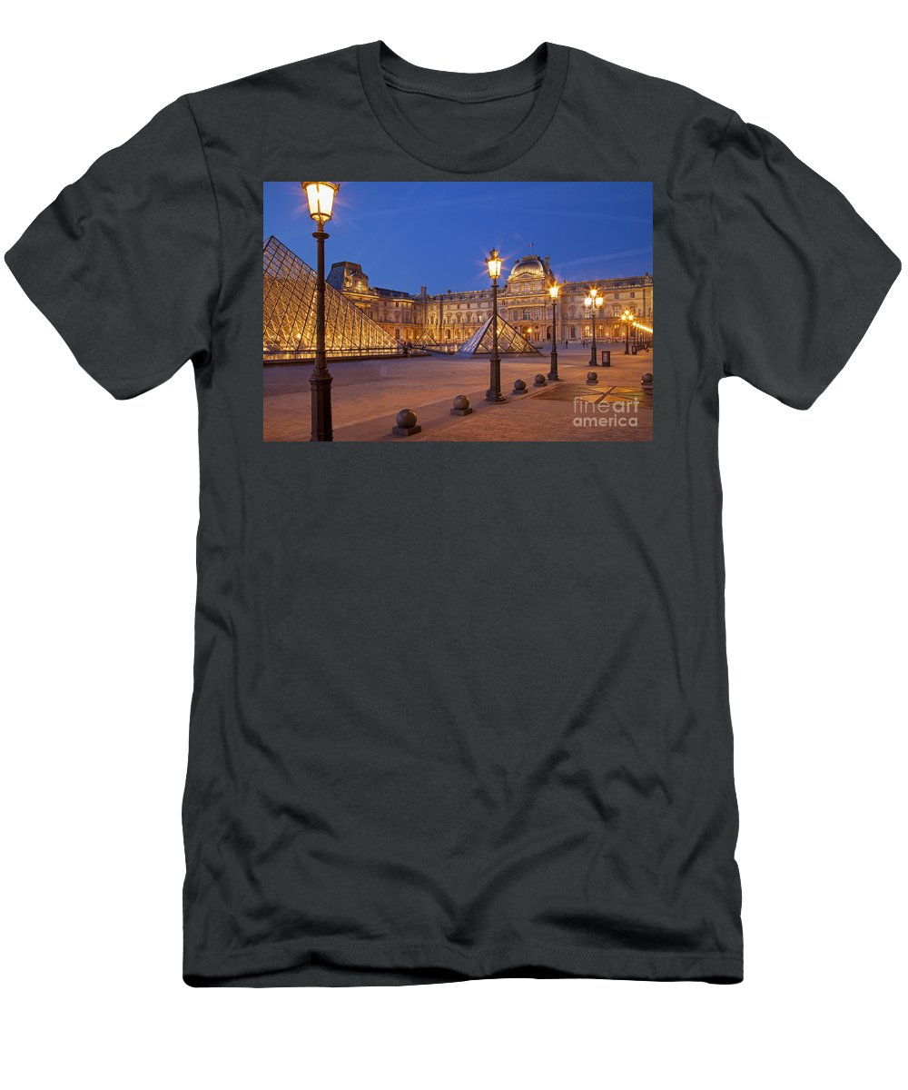 Architectural Men's T-Shirt (Athletic Fit) featuring the photograph Louvre Twilight by Brian Jannsen