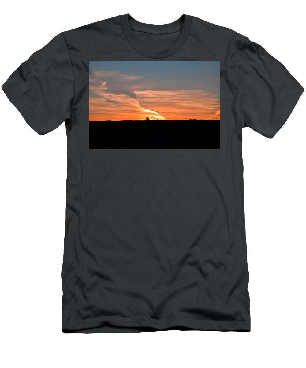 Oregon Men's T-Shirt (Athletic Fit) featuring the photograph Magnificant Sky by Image Takers Photography LLC - Laura Morgan