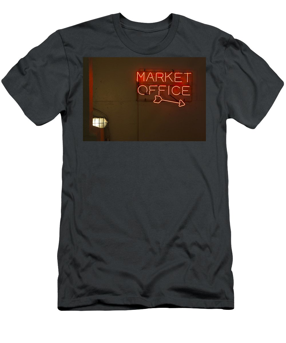 Sign Men's T-Shirt (Athletic Fit) featuring the photograph Market Office To The Right by Scott Campbell