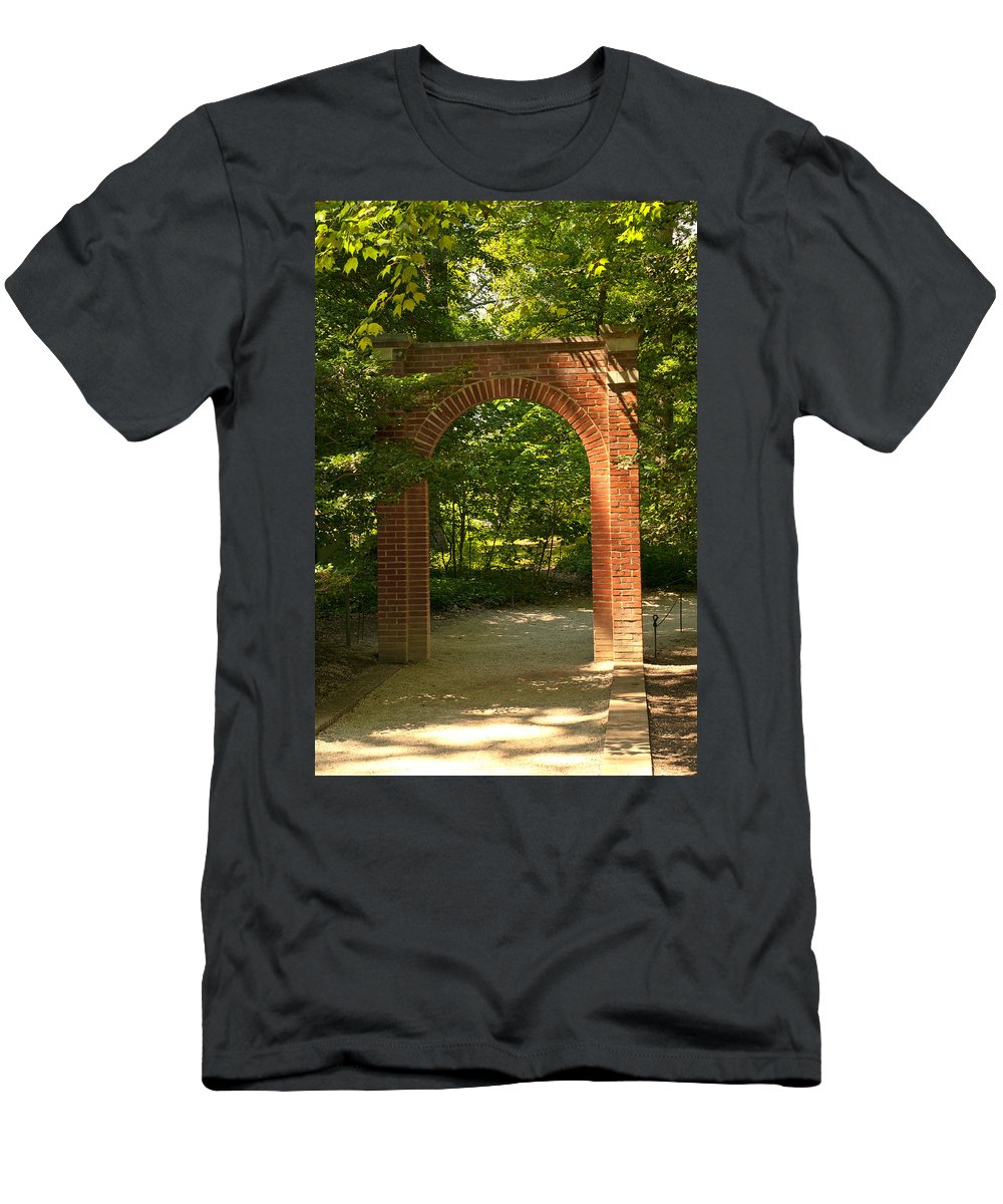 mount Vernon Men's T-Shirt (Athletic Fit) featuring the photograph Memorial Arch by Paul Mangold