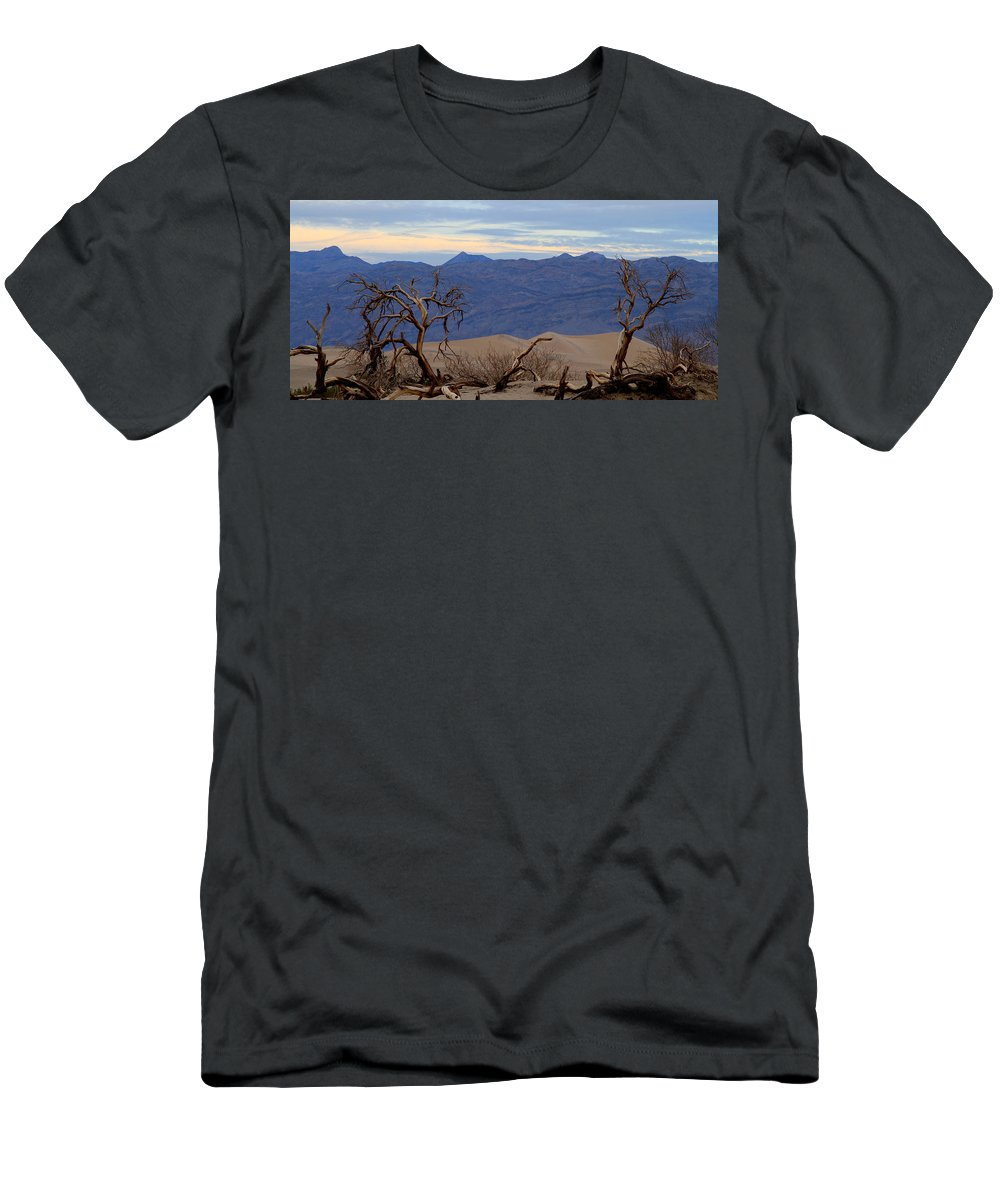 California Men's T-Shirt (Athletic Fit) featuring the photograph Mesquite Flat Sand Dunes Stovepipe Wells Death Valley by Ed Riche