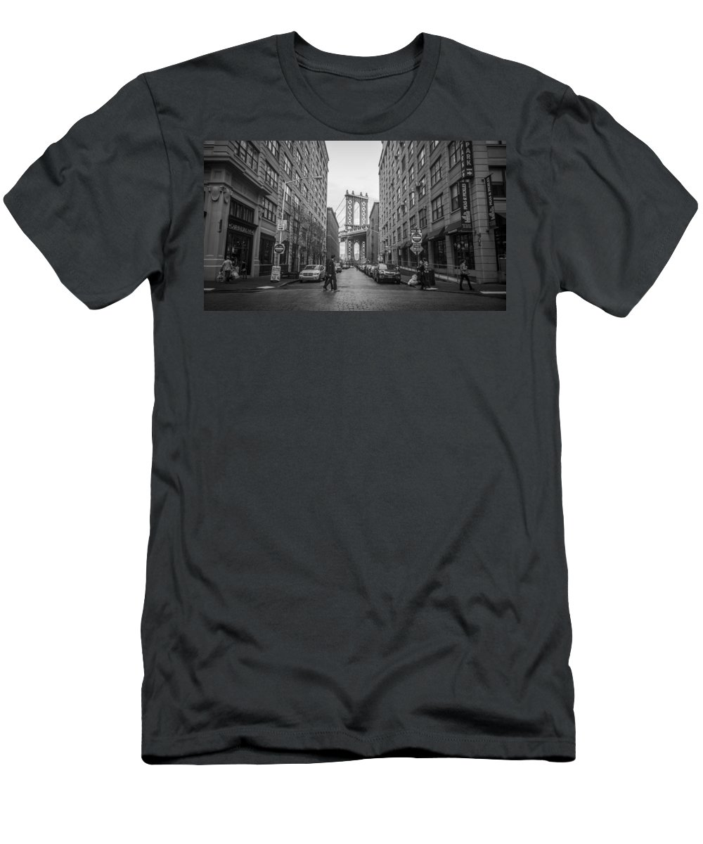 Brooklyn Men's T-Shirt (Athletic Fit) featuring the photograph Metro by Johnny Lam