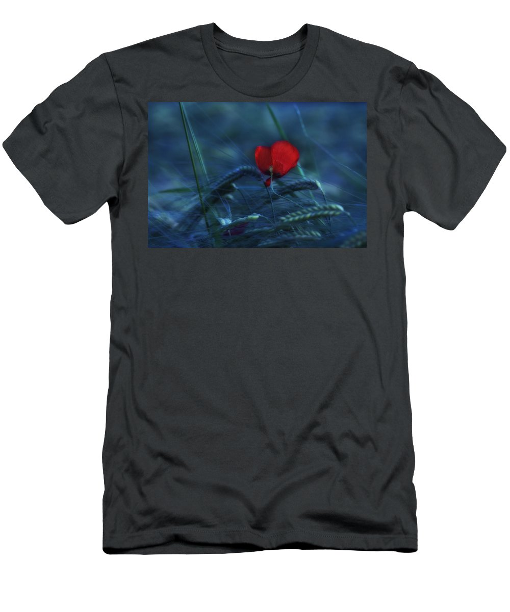 Poppy Men's T-Shirt (Athletic Fit) featuring the photograph Moonlight by Claudia Moeckel