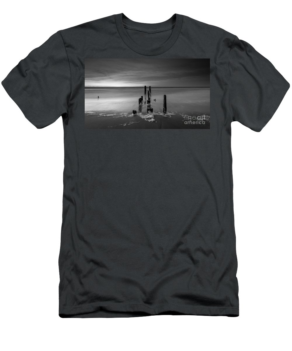 Morning Suds Men's T-Shirt (Athletic Fit) featuring the photograph Morning Suds 16x9 Bw by Michael Ver Sprill