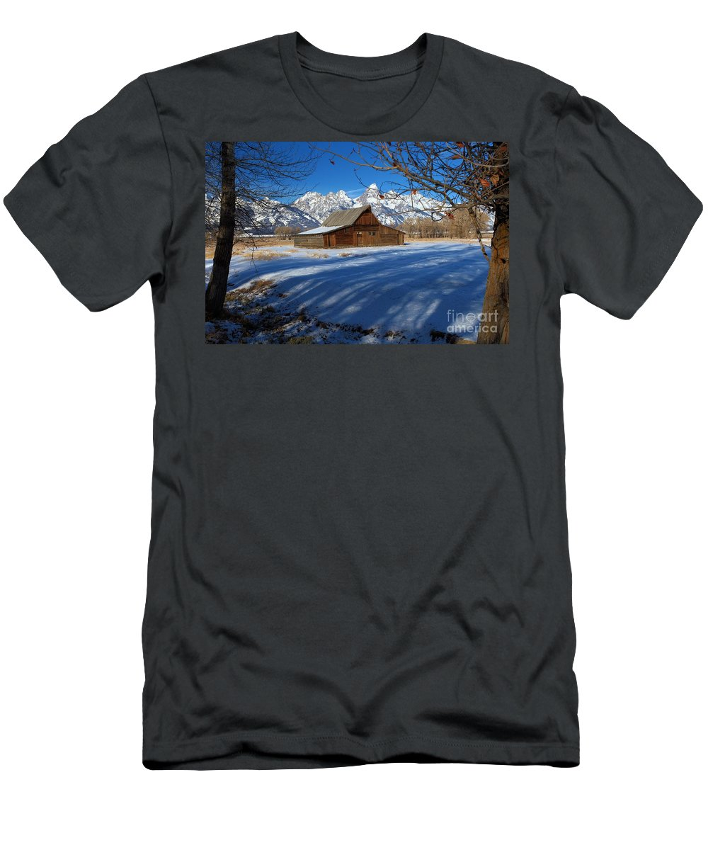 Grand Teton National Park Men's T-Shirt (Athletic Fit) featuring the photograph Moulton Barn by Adam Jewell