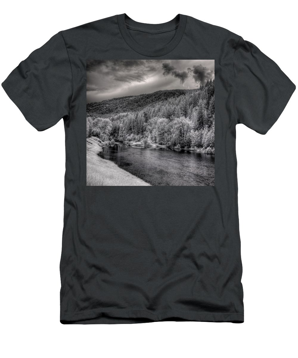 Infrared Men's T-Shirt (Athletic Fit) featuring the photograph Myrtle Creek 2 by Lee Santa