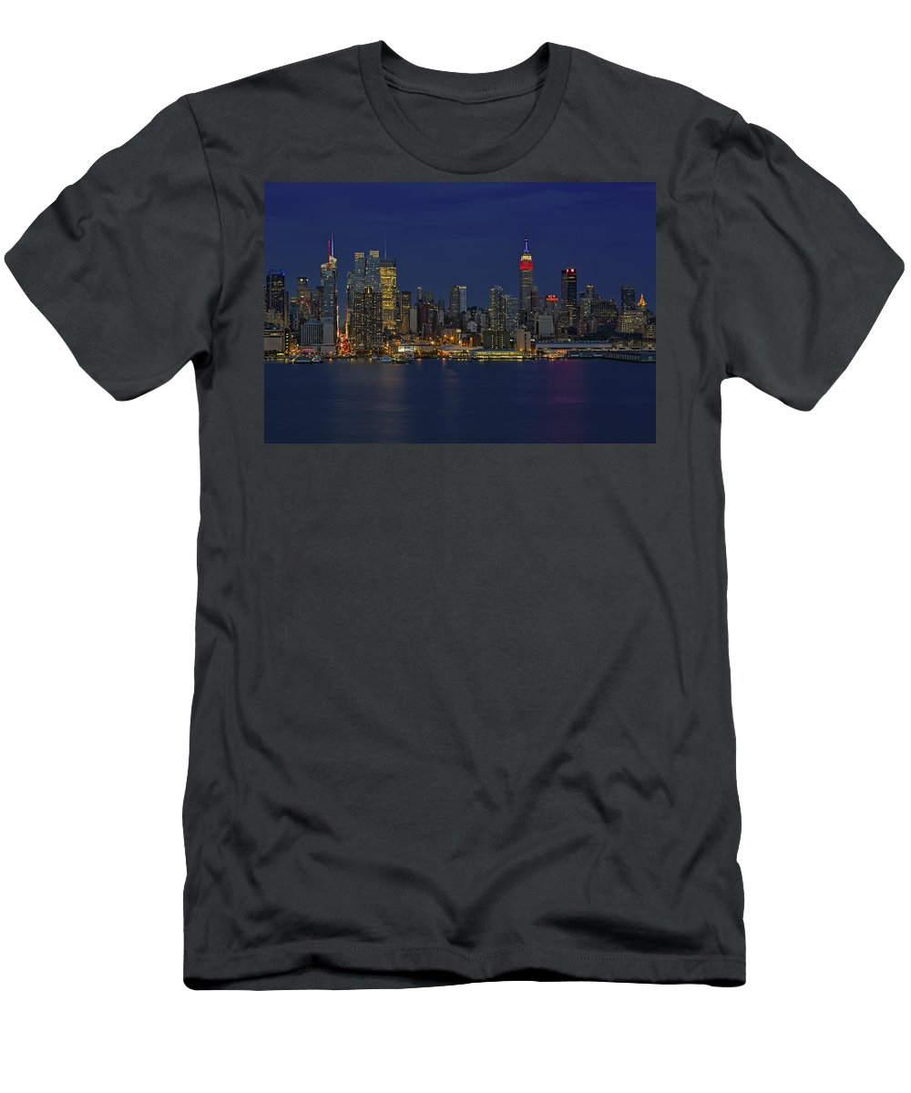 Esb Men's T-Shirt (Athletic Fit) featuring the photograph New York City Lights by Susan Candelario