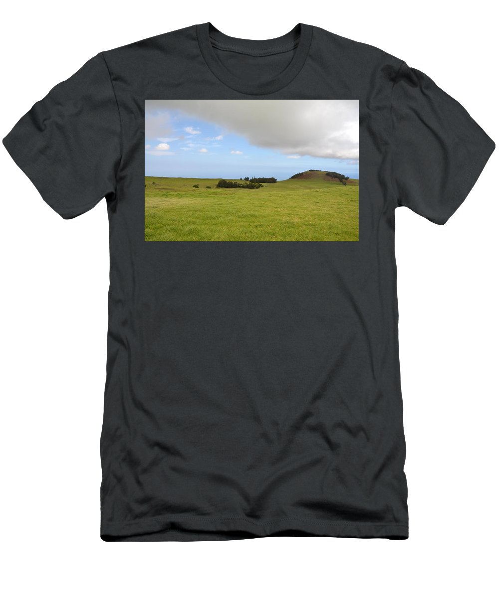 Kona Men's T-Shirt (Athletic Fit) featuring the photograph North Kona Greenscape by Amy Fose