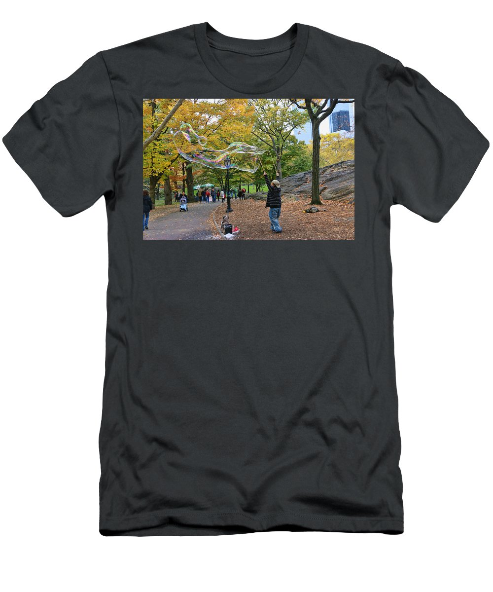 Central Park Men's T-Shirt (Athletic Fit) featuring the photograph Now That's A Bubble by Allen Beatty