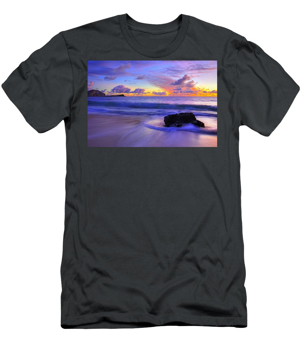 Hawaii Men's T-Shirt (Athletic Fit) featuring the photograph Oahu Sunrise by Dustin LeFevre