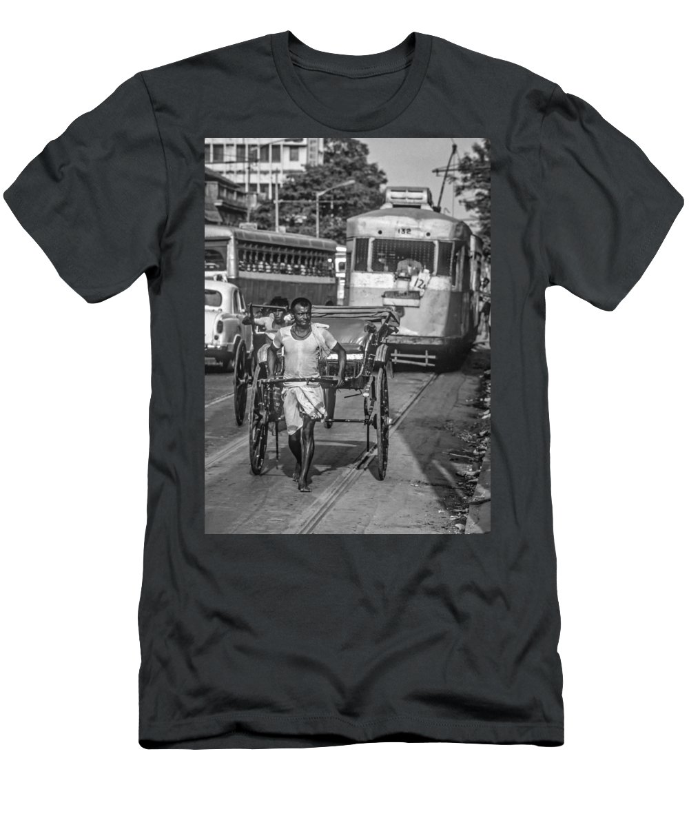 Calcutta Men's T-Shirt (Athletic Fit) featuring the photograph Oh Calcutta Monochrome by Steve Harrington