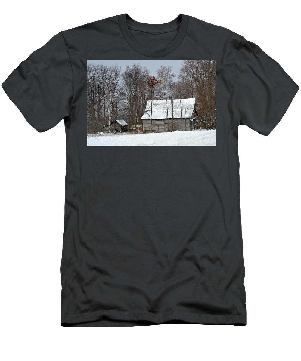 Men's T-Shirt (Athletic Fit) featuring the photograph Old Winter Farm by Linda Kerkau