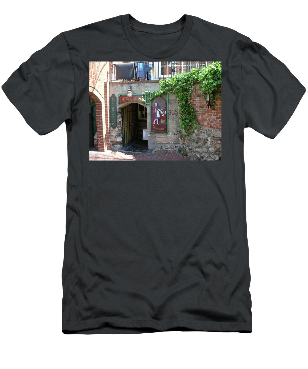 Restaurant Men's T-Shirt (Athletic Fit) featuring the photograph Paddy's Hollow 0747 by Guy Whiteley