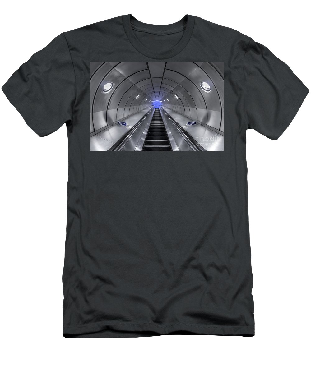 London Men's T-Shirt (Athletic Fit) featuring the photograph Pull Me In by Evelina Kremsdorf