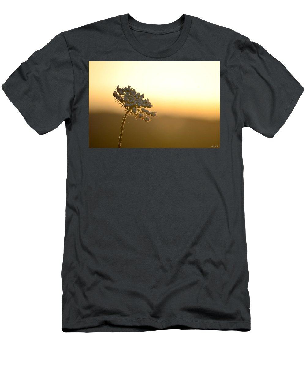 Queen's Golden Morning Men's T-Shirt (Athletic Fit) featuring the photograph Queen's Golden Morning by Maria Urso