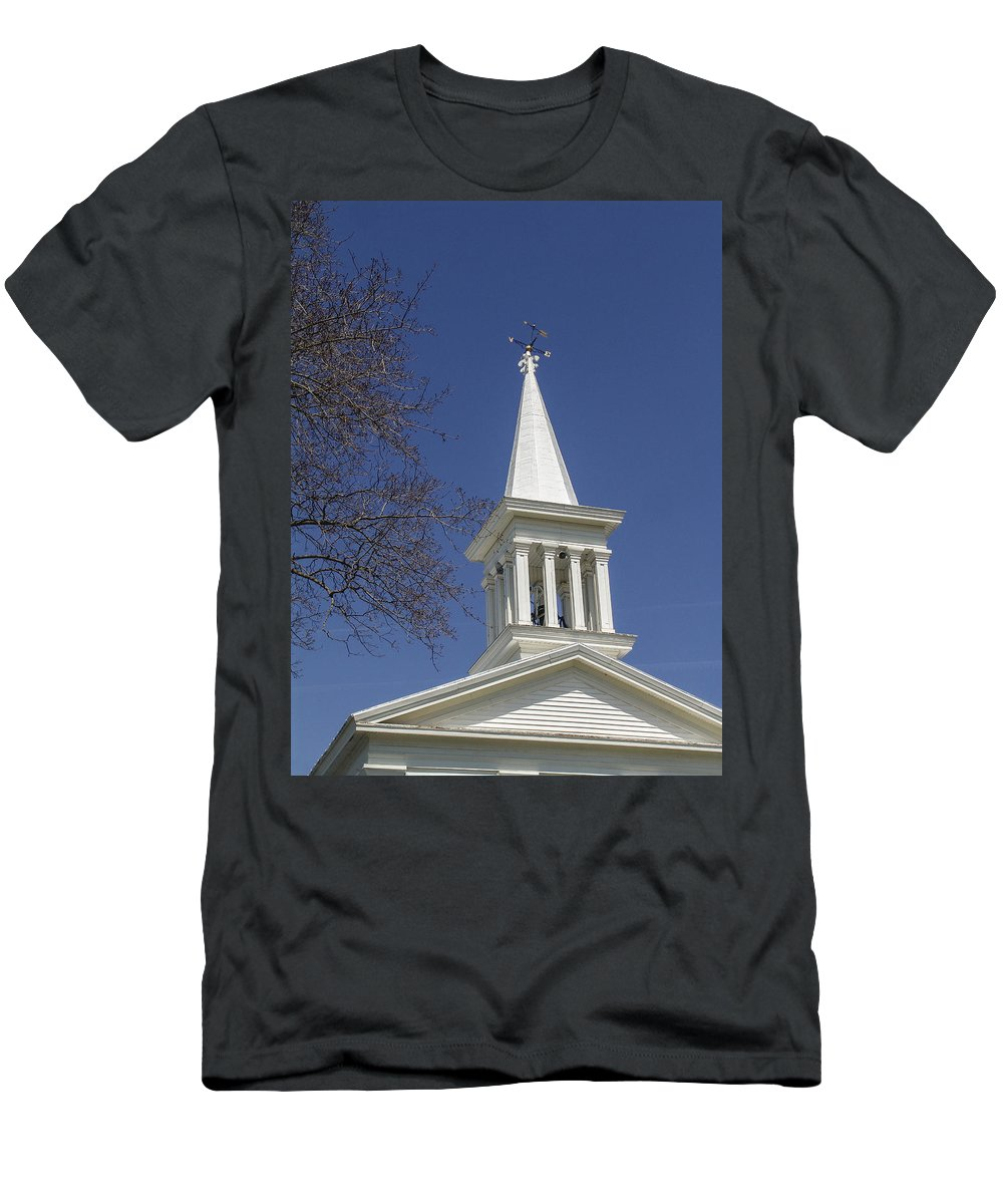 Westerlo Men's T-Shirt (Athletic Fit) featuring the photograph Reach To The Sky by Eric Swan
