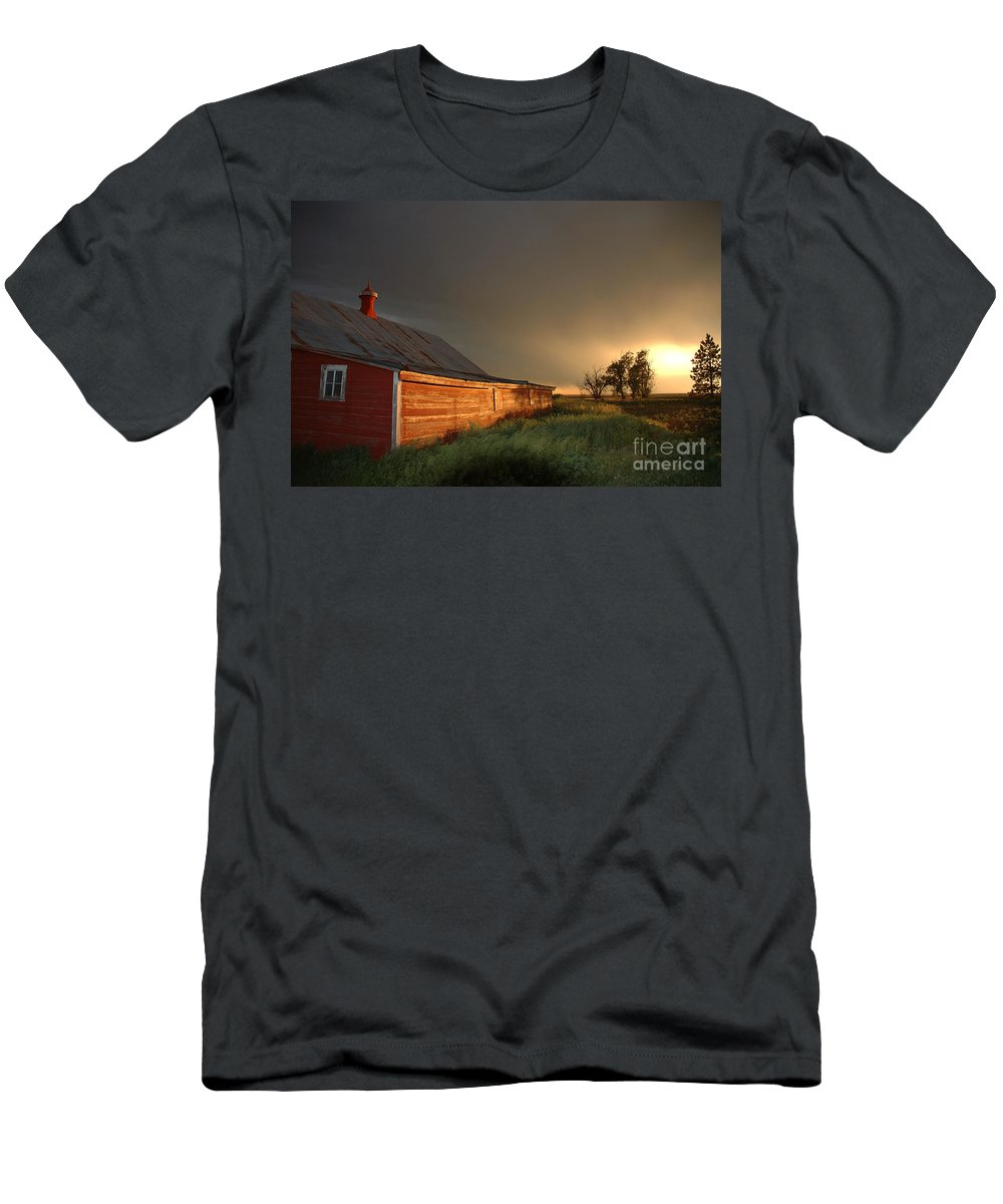Barn Men's T-Shirt (Athletic Fit) featuring the photograph Red Barn At Sundown by Jerry McElroy