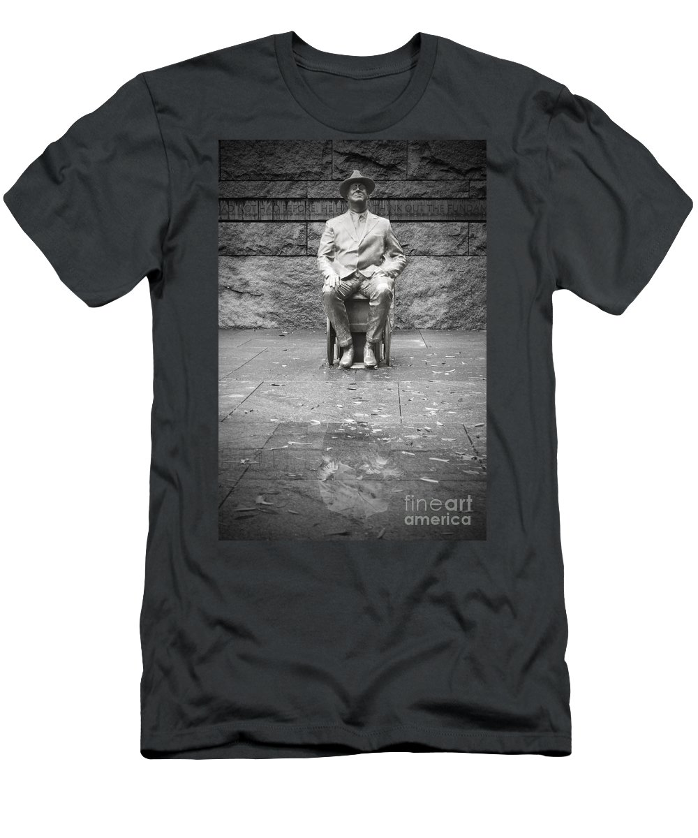 Franklin Men's T-Shirt (Athletic Fit) featuring the photograph Reflection Of Fdr by Jost Houk