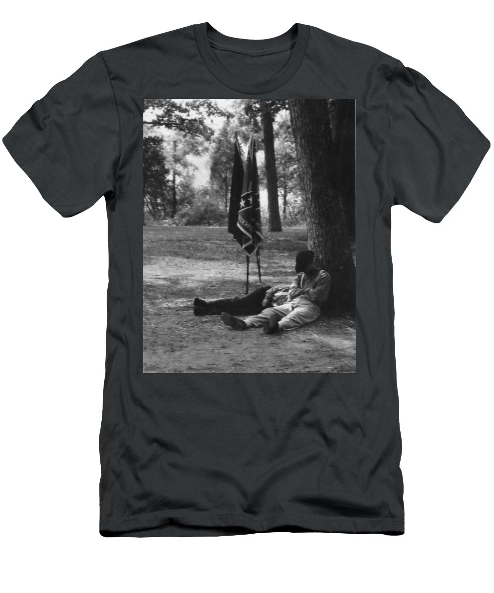Black And White Men's T-Shirt (Athletic Fit) featuring the photograph Resting At Gettysburg by Eric Liller