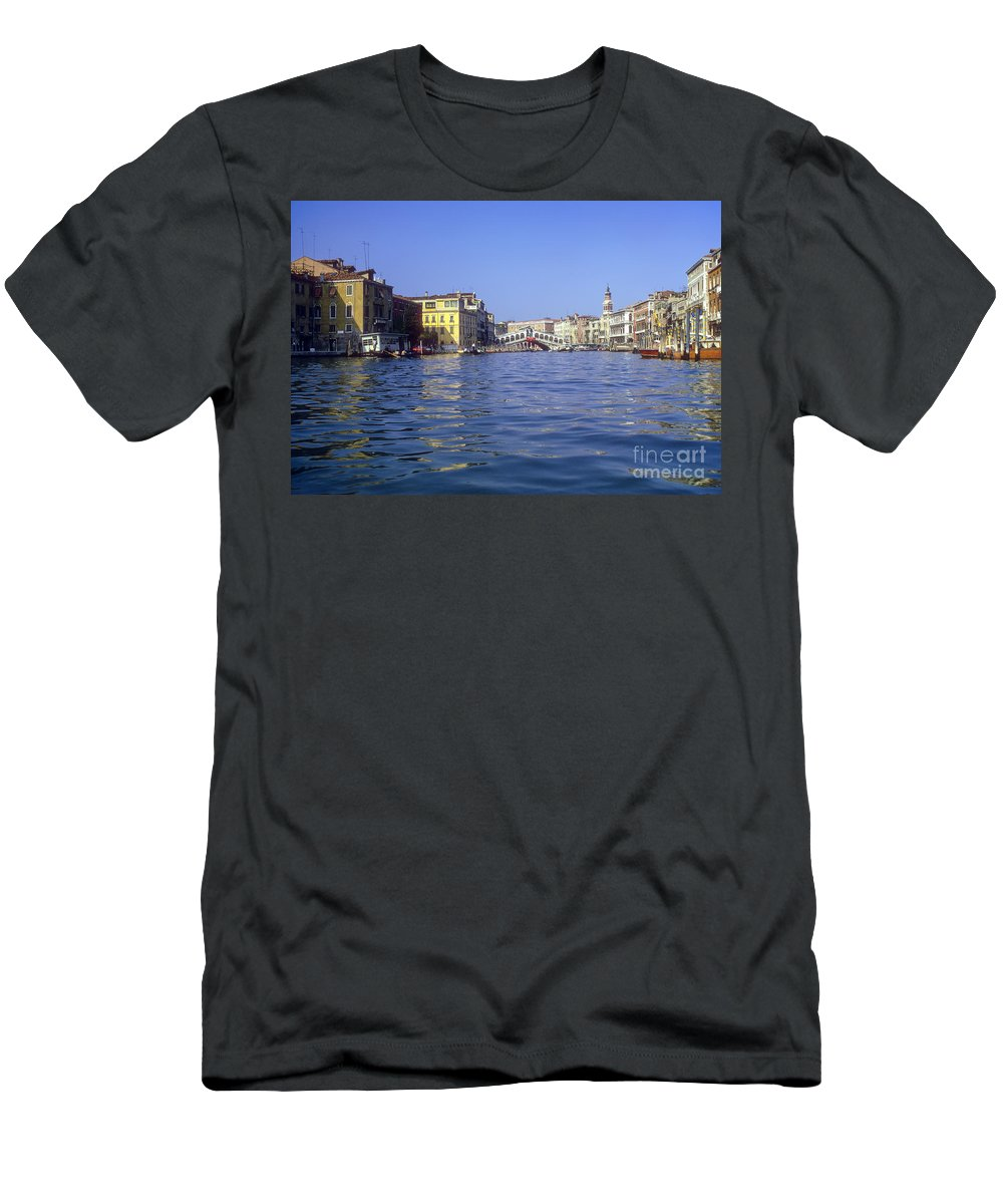 Rialto Bridge Venice Grand Canal Canals Building Buildings Structure Structures Architecture Water Boat Boats Bridges Church Churches Gondola Gondolas City Cities Cityscape Cityscapes Italy Men's T-Shirt (Athletic Fit) featuring the photograph Rialto Bridge In The Grand Canal by Bob Phillips