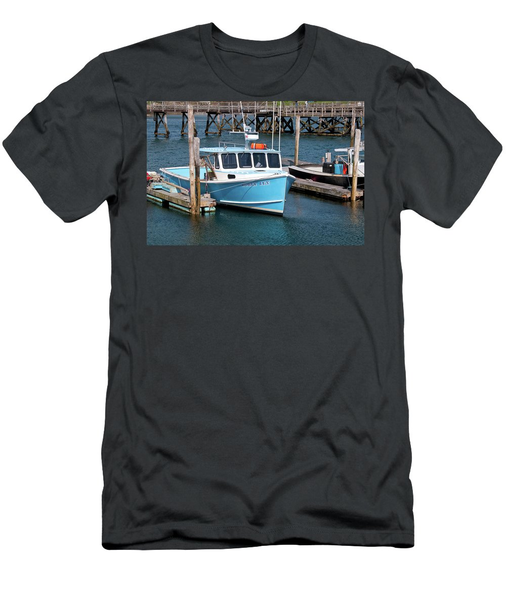 Boat Men's T-Shirt (Athletic Fit) featuring the photograph Robin Lyn 0220 by Guy Whiteley