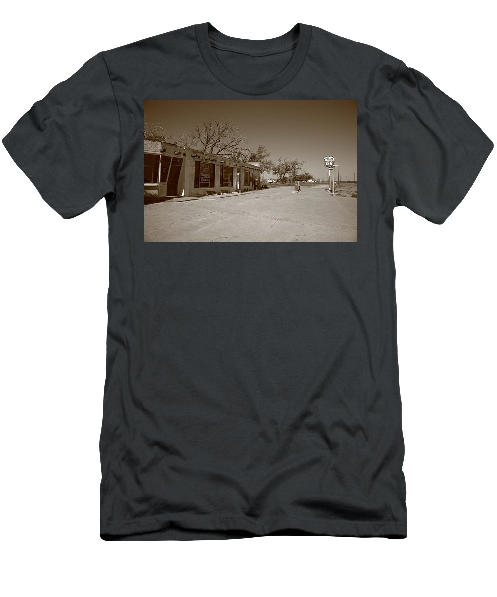 66 Men's T-Shirt (Athletic Fit) featuring the photograph Route 66 - Bent Door Cafe by Frank Romeo