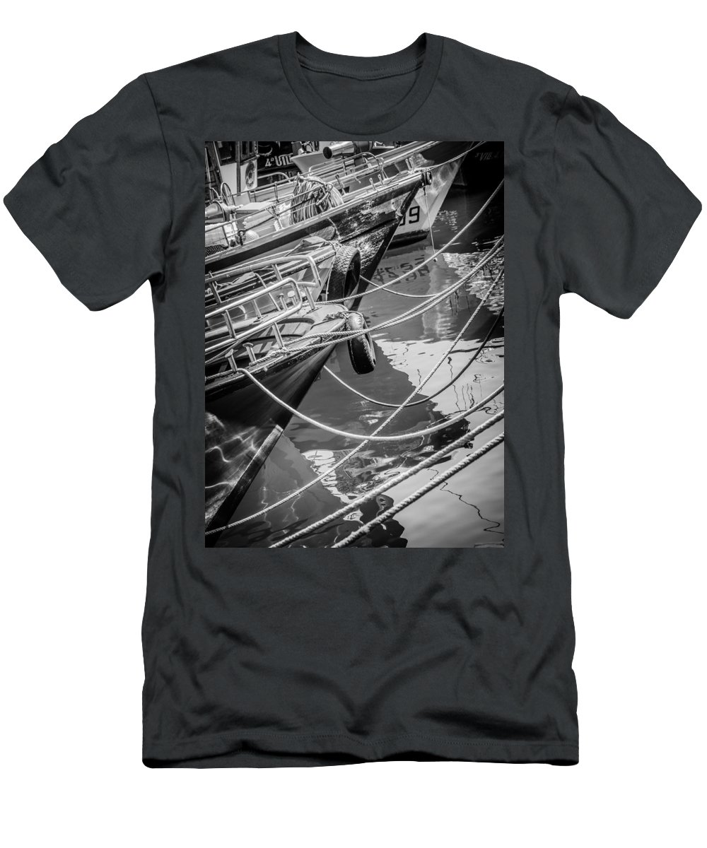 Fishing Men's T-Shirt (Athletic Fit) featuring the photograph Safety by Ernesto Santos