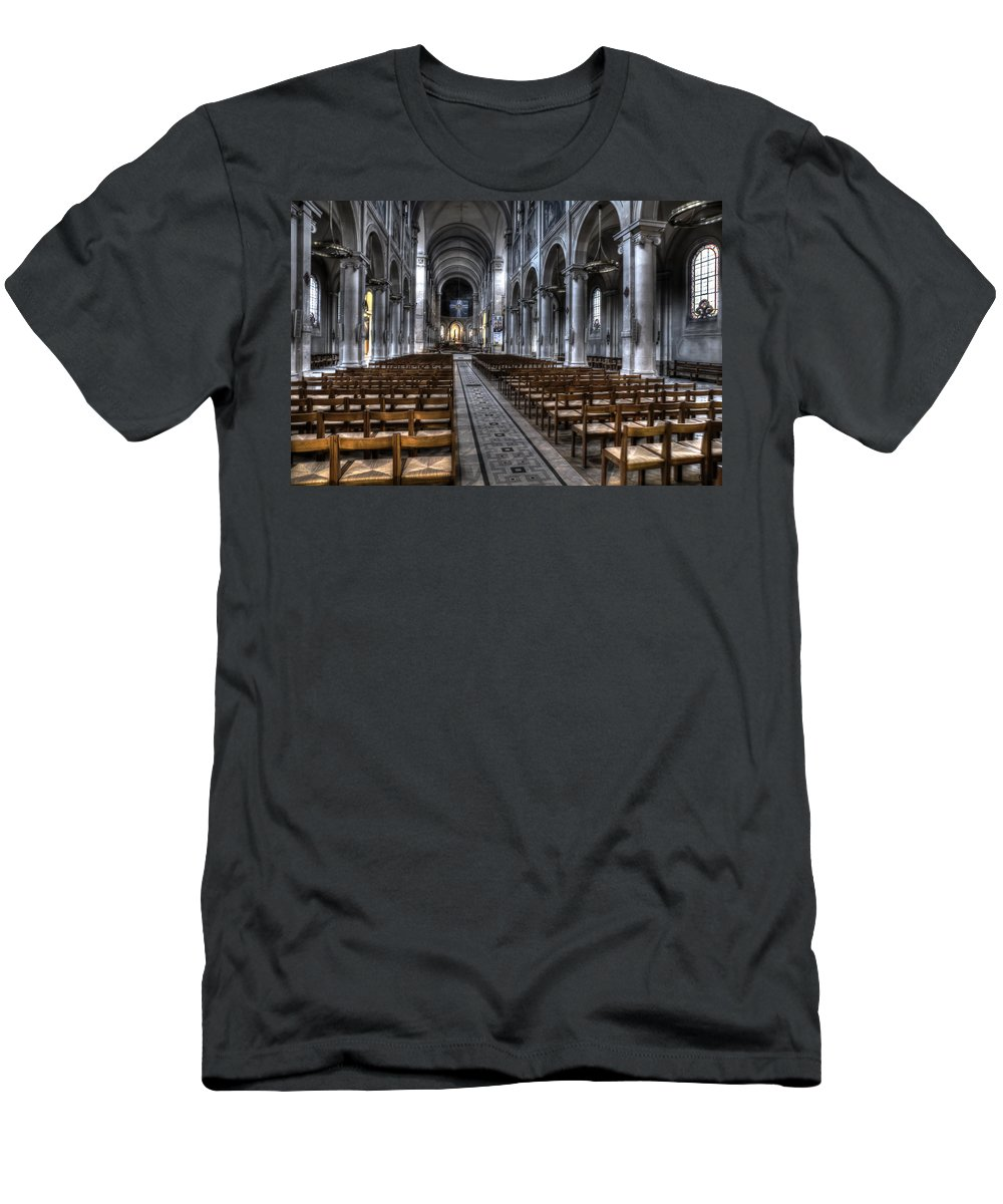 Arch Men's T-Shirt (Athletic Fit) featuring the photograph Saint Severin by Evie Carrier