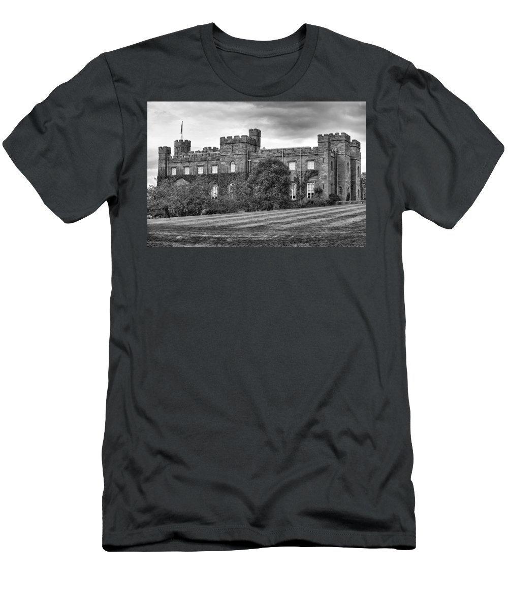 Buildings-bw Men's T-Shirt (Athletic Fit) featuring the photograph Scone Palace by Eunice Gibb