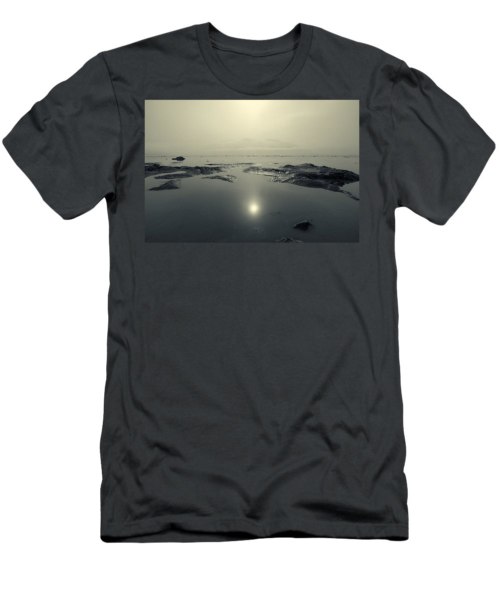 Turnagain Arm Men's T-Shirt (Athletic Fit) featuring the photograph Shock Wave by Ted Raynor