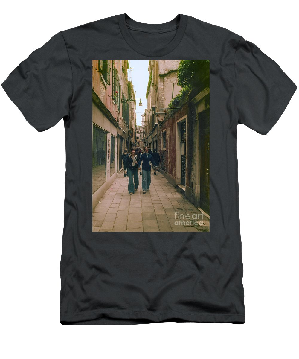 Venice Street Cobblestone Streets Cobblestones Store Stores Shop Shops Person Persons People Women Woman Building Buildings Structure Structures Architecture City Cities Cityscape Cityscapes Italy Men's T-Shirt (Athletic Fit) featuring the photograph Shopping by Bob Phillips