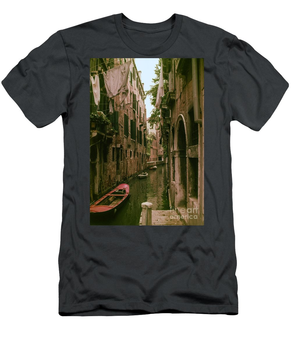 Venice Canal Canals Building Buildings Boat Boats Dock Docks Structure Structures Architecture Water City Cities Cityscape Cityscapes Italy Men's T-Shirt (Athletic Fit) featuring the photograph Side Canal by Bob Phillips