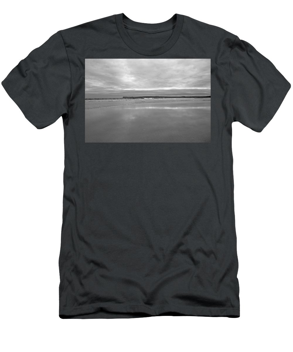 Beach Men's T-Shirt (Athletic Fit) featuring the photograph Sinclair's Bay by Fraser McCulloch
