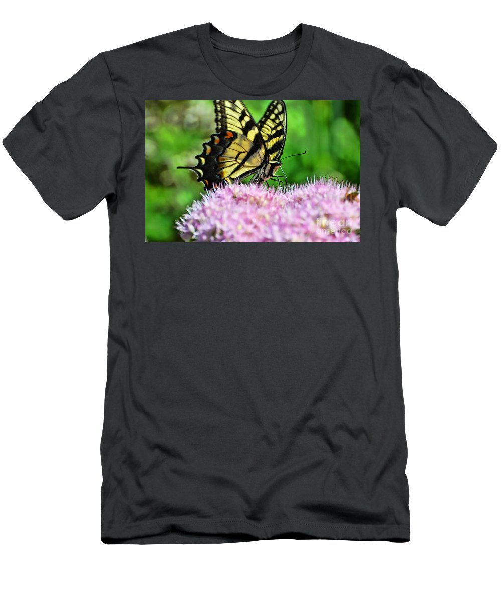 Butterfly Men's T-Shirt (Athletic Fit) featuring the photograph Sitting Pretty by Judy Wolinsky