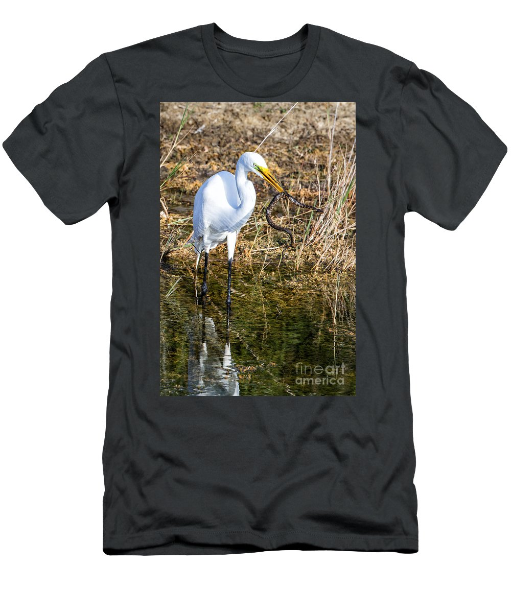 Great Men's T-Shirt (Athletic Fit) featuring the photograph Snake For Lunch by Ronald Lutz