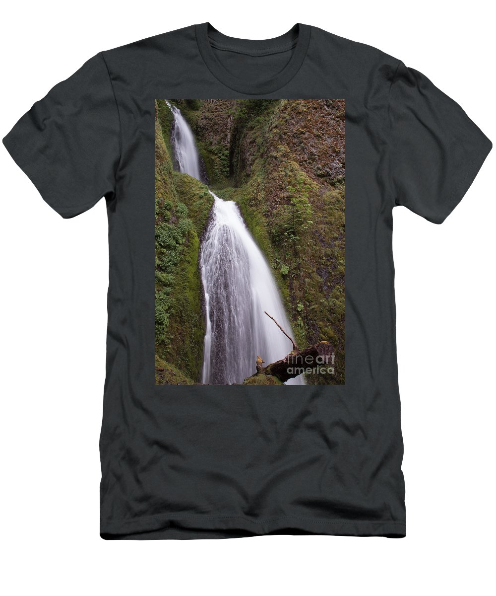 Columbia River Gorge Men's T-Shirt (Athletic Fit) featuring the photograph Spring Showers by Suzanne Luft