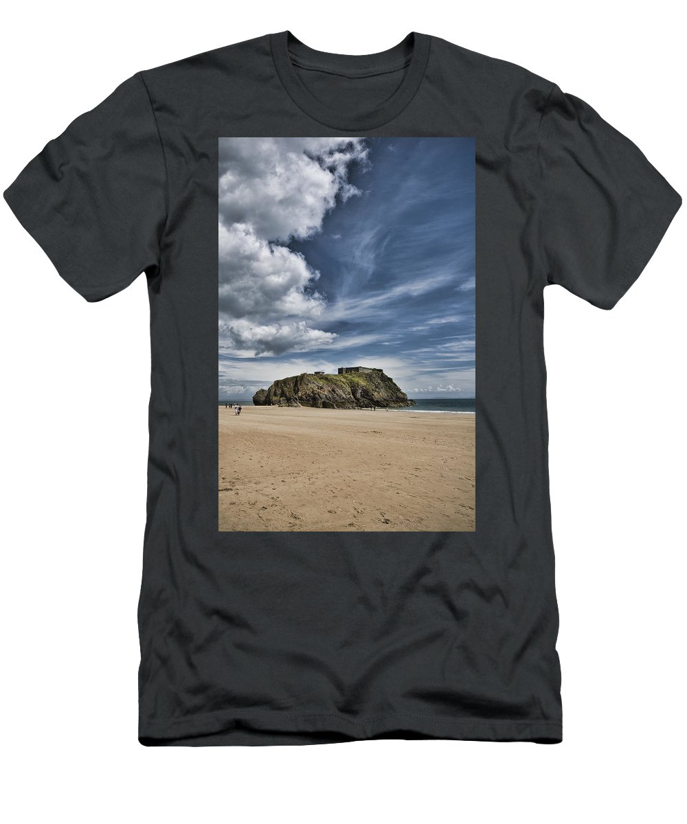 St Catherines Island Men's T-Shirt (Athletic Fit) featuring the photograph St Catherines Island 7 by Steve Purnell