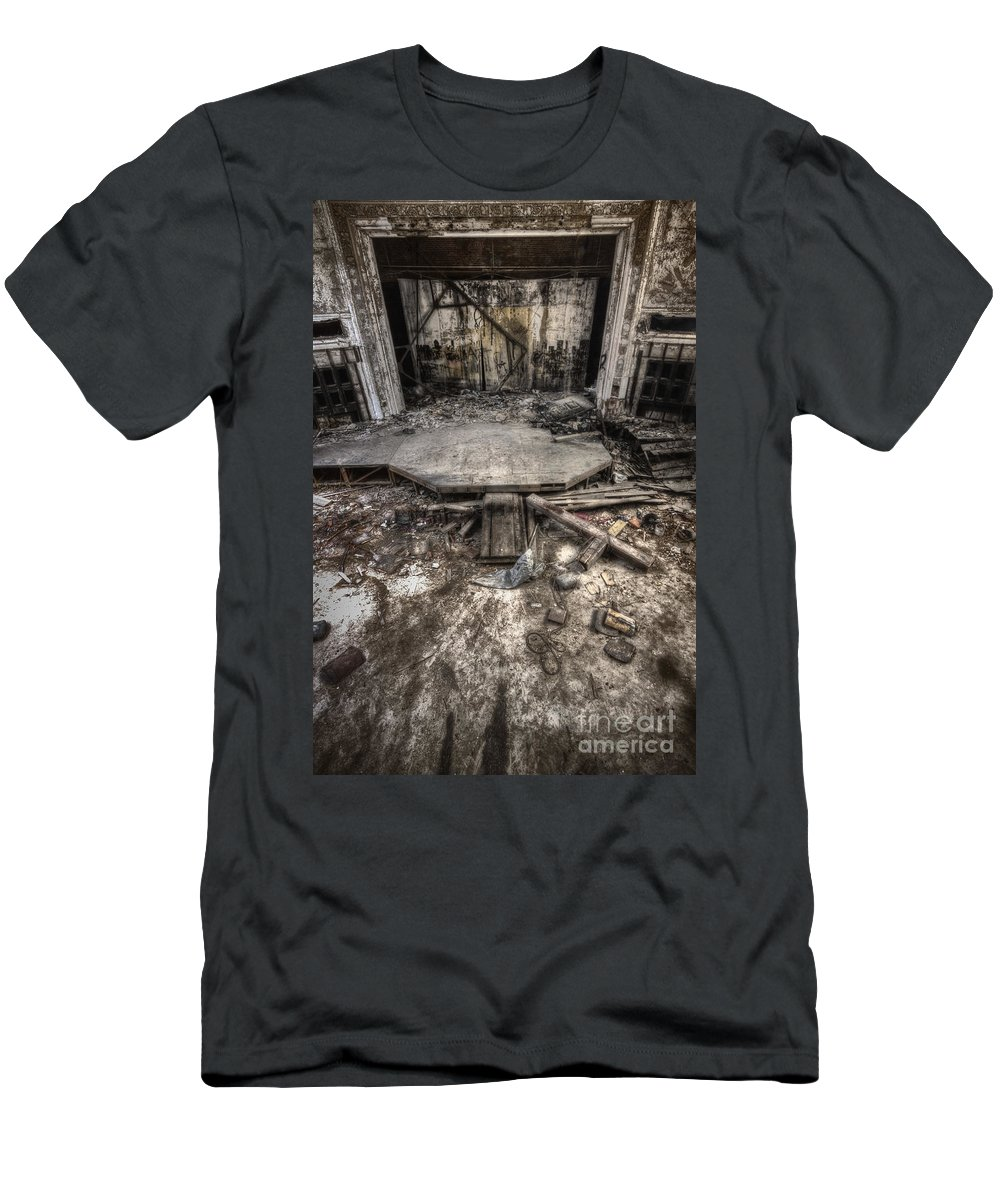 Stage Men's T-Shirt (Athletic Fit) featuring the photograph Staged by Margie Hurwich