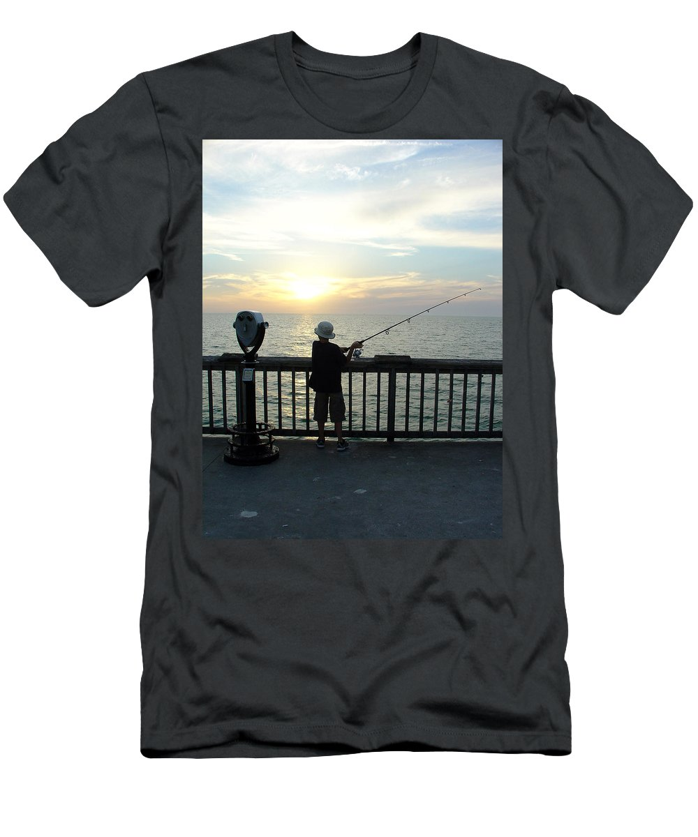 Clearwater Men's T-Shirt (Athletic Fit) featuring the photograph Starting Young by David Nicholls